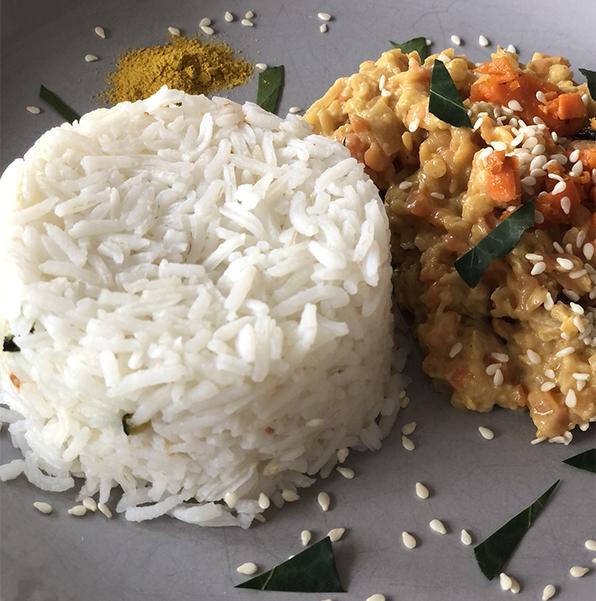 Dahl de lentilles corail et carottes au lait de coco, riz basmati